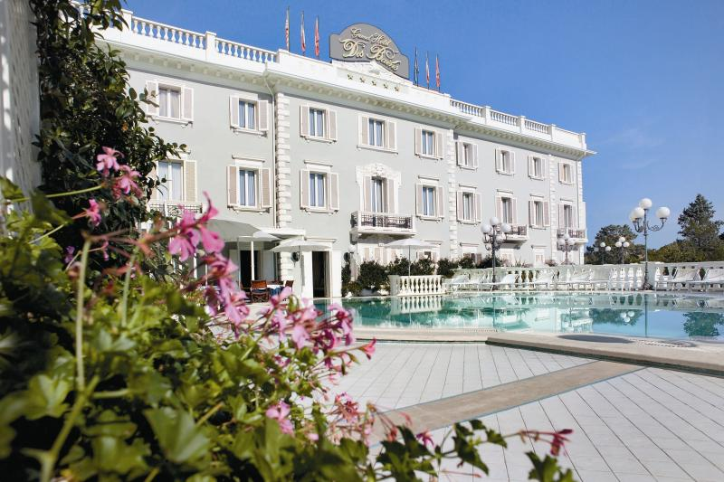 Grand hotel des bains riccione for Grand hotel des bain