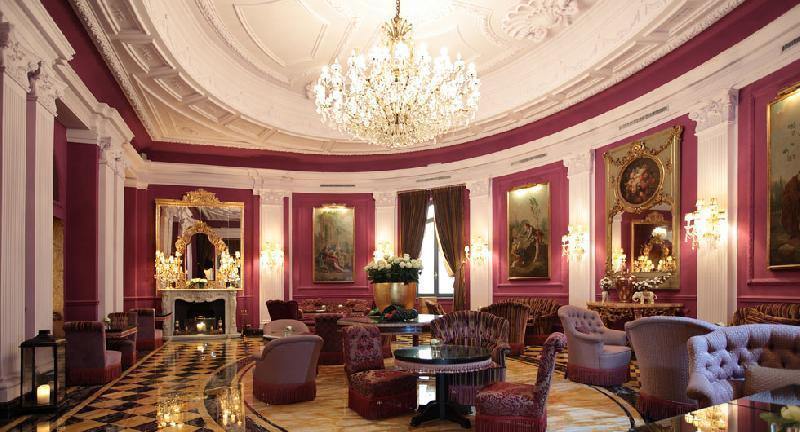 lampadari via veneto : Situato in Via Veneto a Roma, il Regina Hotel Baglioni ? una ...