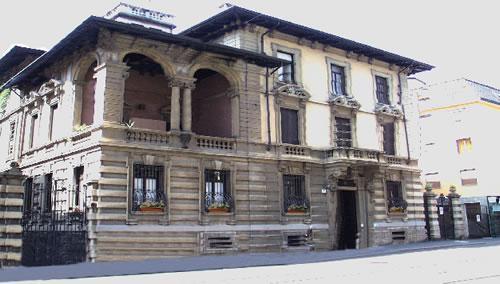 Residenza liberty milano for Arredo sud messina